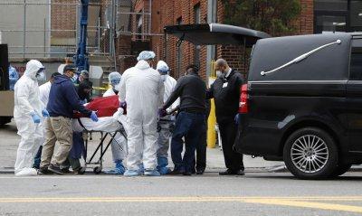 Desde o início da pandemia nos EUA, já morreram mais de 9 mil