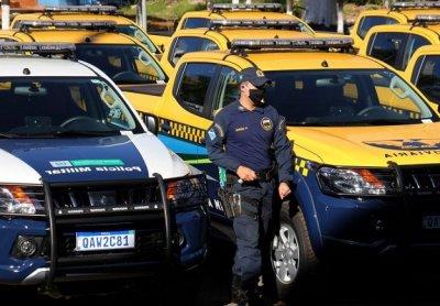Governo de MS entrega 28 motoniveladoras e 127 viaturas nesta segunda-feira